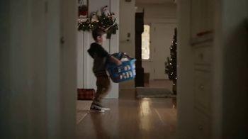 JCPenney TV Spot, 'La Navidad' [Spanish] - Thumbnail 2