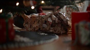 JCPenney TV Spot, 'Little Things: Wrapping Gifts' - Thumbnail 3