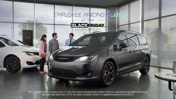 Chrysler Black Friday Sales Event TV Spot, 'Van Family' [T2] - Thumbnail 6