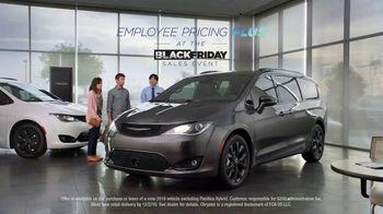 Chrysler Black Friday Sales Event TV Spot, 'Van Family' [T2] - Thumbnail 7