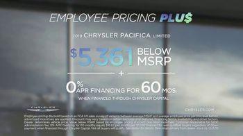 Chrysler Black Friday Sales Event TV Spot, 'Van Family' [T2] - Thumbnail 8