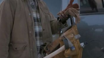 Lowe's Black Friday Deals TV Spot, 'Every Pro Deserves a Holiday Upgrade: Dewalt Drill or Kit' - Thumbnail 3
