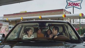 Sonic Drive-In Reese's Overload Waffle Cone TV Spot, 'Nieve antes de comer' [Spanish] - Thumbnail 1