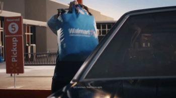 Walmart TV Spot, 'Famous Visitors: Men in Black' - Thumbnail 9