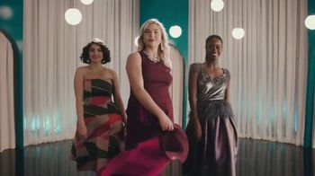 Vanity Fair Beauty Back Collection TV Spot, 'Your Smooth Awaits' - Thumbnail 8