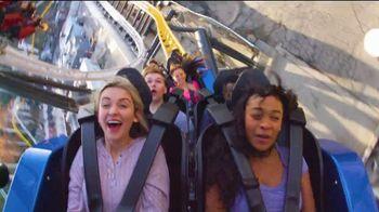 Six Flags Magic Mountain SoCal Resident Sale TV Spot, 'West Coast Racers' - Thumbnail 7