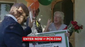 Publishers Clearing House TV Spot, '$7,000 a Week: Hey Folks' Featuring Steve Harvey - Thumbnail 4