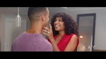 Kay Jewelers TV Spot, 'Now & Forever desde $1,000 dólares' canción de Harriet Whitehead [Spanish] - Thumbnail 8