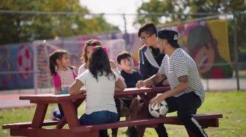Target TV Spot, 'Artistas de los campos de fútbol: conoce a Miguel DonJuan' [Spanish] - Thumbnail 3