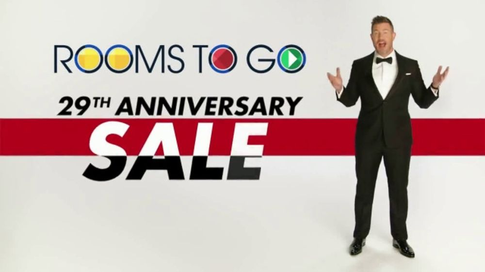 Rooms to Go Anniversary Sale TV Commercial, 'Extra Savings' Featuring Jesse Palmer