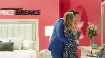 Rooms to Go Anniversary Sale TV Spot, 'Extra Savings' Featuring Jesse Palmer - Thumbnail 6