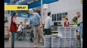 Lowe's Pro TV Spot, 'It Takes a Team: Valspar Paint' Featuring Michele Tafoya - Thumbnail 2