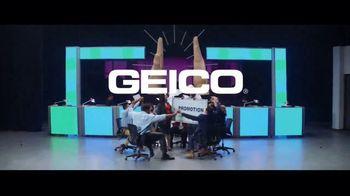 GEICO TV Spot, 'Perfect High Five' - Thumbnail 10