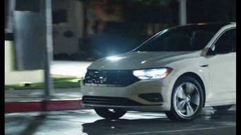 Volkswagen Presidents Day Deals TV Spot, 'Standard Turbocharged Engine' [T2] - Thumbnail 4