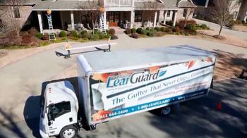 LeafGuard of Nashville Winter Half Off Sale TV Spot, 'Winning Combination' - Thumbnail 5