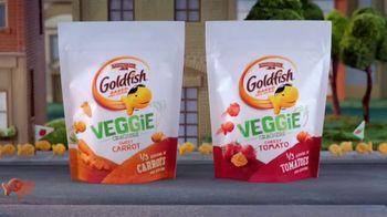 Goldfish Veggie Crackers TV Spot, 'Parade' - Thumbnail 6