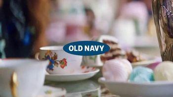 Old Navy TV Spot, 'Café' canción de HOLYCHILD [Spanish] - Thumbnail 2