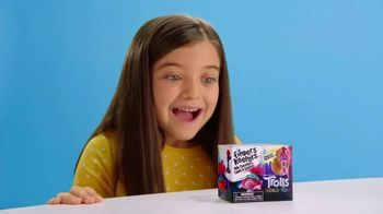 Finders Keepers Candy and Toy Surprise TV Spot, 'All New Toys: Trolls' - Thumbnail 2