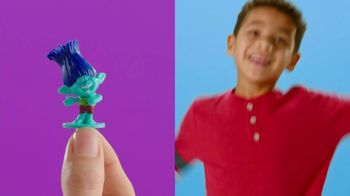 Finders Keepers Candy and Toy Surprise TV Spot, 'All New Toys: Trolls' - Thumbnail 4