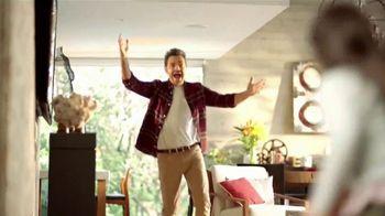 DishLATINO TV Spot, 'Dar lo mejor' con Eugenio Derbez, canción de Diego Torres, Rubén Blades [Spanish] - Thumbnail 1