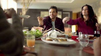 DishLATINO TV Spot, 'Dar lo mejor' con Eugenio Derbez, canción de Diego Torres, Rubén Blades [Spanish] - Thumbnail 3
