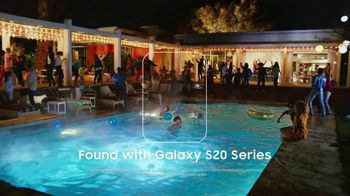 Samsung Galaxy S20 TV Spot, 'Found: $200 Off' Song by DJ Shadow - Thumbnail 8