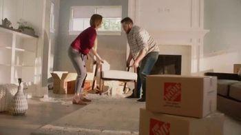 The Home Depot TV Spot, 'Decorar la sala' [Spanish] - Thumbnail 7