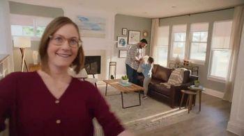 The Home Depot TV Spot, 'Decorar la sala' [Spanish] - Thumbnail 9