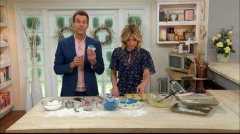 GEICO TV Spot, 'Hallmark Channel: Cupcakes' Ft. Cameron Mathison, Debbie Matenopoulos - Thumbnail 7