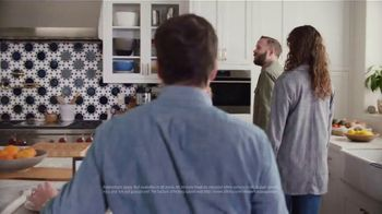 XFINITY Internet TV Spot, 'Open House: $20 a Month' Featuring Amy Poehler - Thumbnail 3