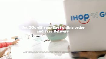 IHOP 'n Go TV Spot, 'The Comfort of Pancakes From the Comfort of Home' - Thumbnail 7