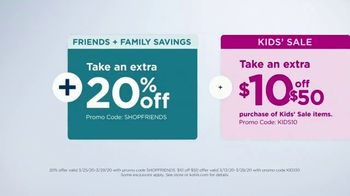 Kohl's Friends + Family Sale TV Spot, 'Denim, Quilts and Graphic T-Shirts' - Thumbnail 8