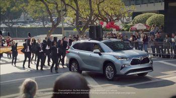 Toyota Ready Set Go! TV Spot, 'Imagine Yourself: Highlander' [T1] - Thumbnail 4