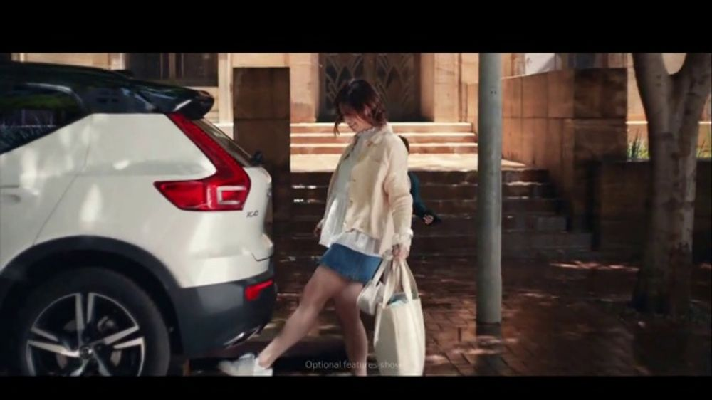 Volvo XC40 TV Commercial, 'Smart Storage' Song by Kit Conway [T1]