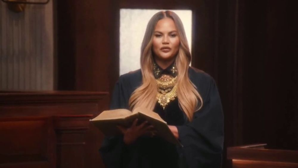 Quibi TV Commercial, 'Ready to Rule' Featuring Chrissy Teigen