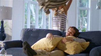 La-Z-Boy World's Greatest Recliner Sale TV Spot, 'Special Piece' - Thumbnail 3