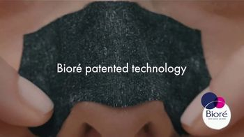 Bioré Charcoal Deep Cleansing Pore Strips TV Spot, 'Oddly Satisfying Results' - Thumbnail 2