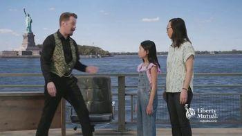 Liberty Mutual Car Insurance TV Spot, 'Magician' - Thumbnail 8