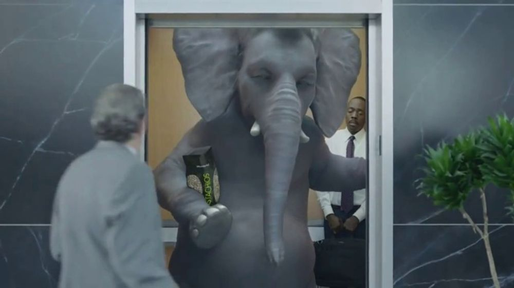 Wonderful Pistachios TV Commercial, 'Ernie in the Elevator'