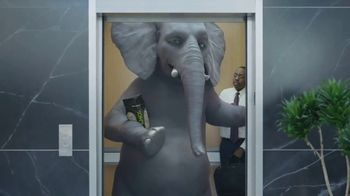 Wonderful Pistachios TV Spot, 'Ernie in the Elevator' - Thumbnail 4