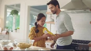 Nestle Toll House Semi-Sweet Morsels TV Spot, 'How to Share Love' - Thumbnail 2