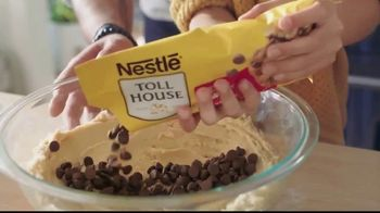 Nestle Toll House Semi-Sweet Morsels TV Spot, 'How to Share Love' - Thumbnail 3