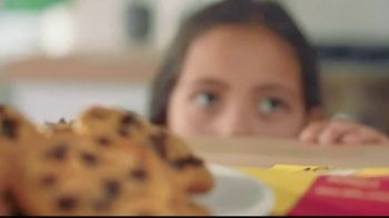 Nestle Toll House Semi-Sweet Morsels TV Spot, 'How to Share Love' - Thumbnail 8
