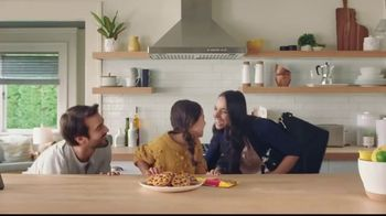Nestle Toll House Semi-Sweet Morsels TV Spot, 'How to Share Love' - Thumbnail 9