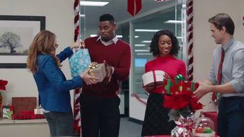 WeatherTech CupFone TV Spot, 'Holidays: Office Gift Exchange'