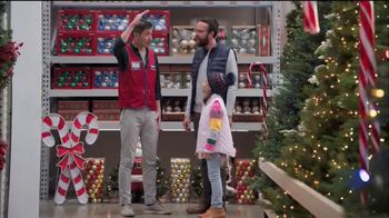 Lowe's Black Friday Deals TV Spot, 'The Right Tree: $50 Gift Card'