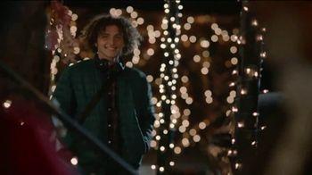JCPenney TV Spot, 'Holidays: Mistletoe' - Thumbnail 7
