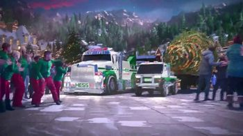 2019 Hess Tow Truck Rescue Team TV Spot, 'Christmas Tree Rescue'