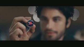 San Pellegrino TV Spot, 'Enhance Your Moments: Essenza' Song by Empire of the Sun - Thumbnail 6