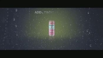 San Pellegrino TV Spot, 'Enhance Your Moments: Essenza' Song by Empire of the Sun - Thumbnail 8
